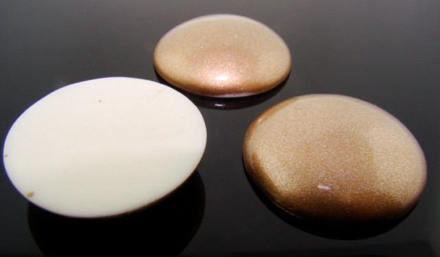 34mm. GOLD GLITTER ROUND CABOCHONS - Lot of 36