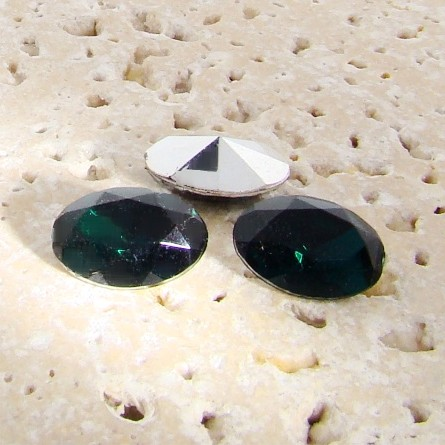 Emerald Jewel - 18x13mm. Oval Faceted Gem Jewels - Lots of 144